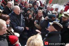 Lavínové nešťastie lesných robotníkov 1956-8.12.2006 - Prezident SR Ivan Gašparovič vrozhovore sTomášom Frajtom.