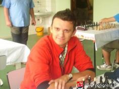 Šachový týždeň 2009-- Vždy dobre naladený Michal Janko zBašta N.Zámky pred poslednou partiou ešte nevedel žebude celkovým víťazom