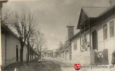 Hodžova ulica -1931 - Hodžova ulica (teraz Nová)  vpopredí vpravo: staré MNV, hasičňa ...