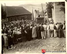 Pomník napamiatku padlých -29.8.1947 - oslava odhalenia pomníka napamiatku padlým vo svetových vojnách