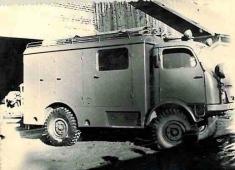 1958 - Motorové požiarne vozidlo: Ako ďalší prínos pre obec treba spomenúť motorové požiarne vozidlo, ktoré umožní jednak rýchlu dopravu motorovej striekačky, jednak požiarneho družstva namiesto požiaru. Toto vozidlo dostala obec Pohorelá zavzornú činno
