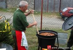 400 -Poľovnícky guľáš chutil každému  (Foto: P.Brenčič)