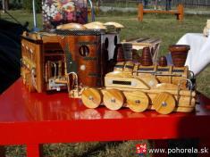 Dni obce 2013-Svoje výrobky ukázali inaši drevorezci avýrobcovia hračiek