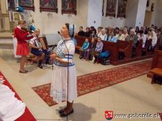 Dni obce 2013-Nedeľňajšia duchovná obnova - popoludňajší chrámový koncert Hanky Servickej (foto: archív farského úradu)